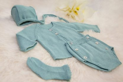 Delicate Crochet Complete Set of Baby Clothes Slow Fashion
