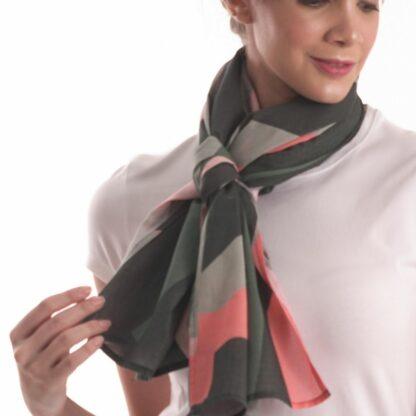 the perfect scarf in dubai